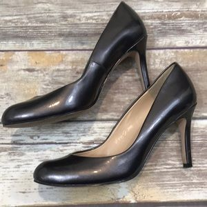 Beautiful Platinum Patent Leather By AT - Sz 6